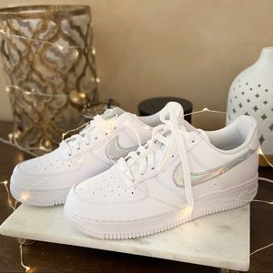 Nike SE Air Force 1 iridescent